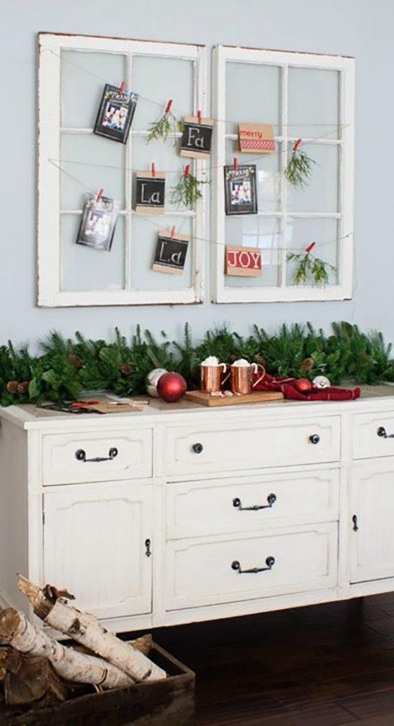 Trang trí Giáng Sinh bằng khung cửa
