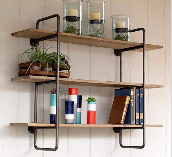 Kệ để sách bằng gỗ pallet kết hợp khung sắt sáng tạo