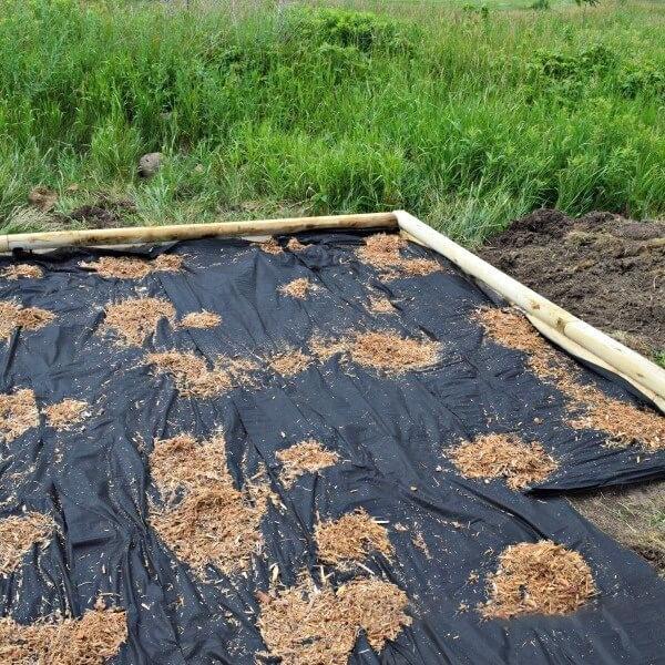 Lót bọc nền để cát không bị tràn ra ngoài
