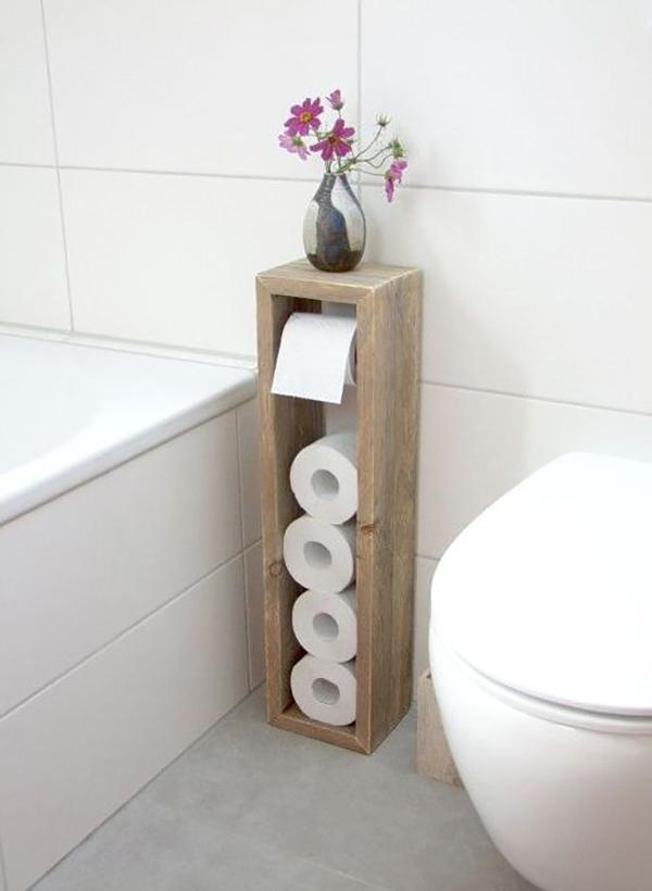 Giá để giấy vệ sinh dễ thương làm từ gỗ pallet bỏ đi